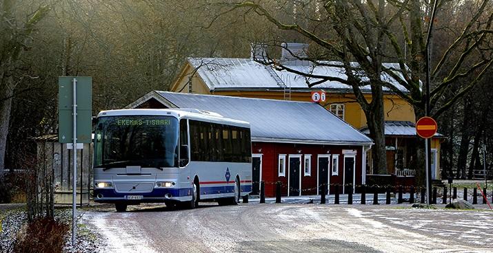 Linja-auton päätepysäkki Fiskarsissa.