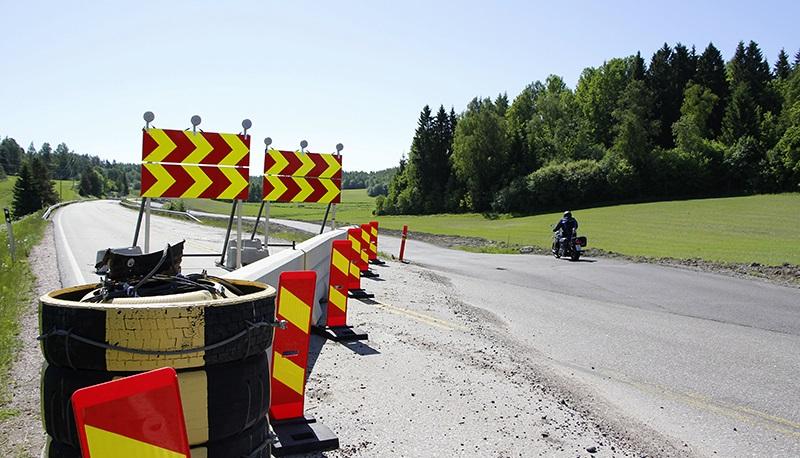 Tietyön aikana liikenne voidaan ohjata kiertotielle.